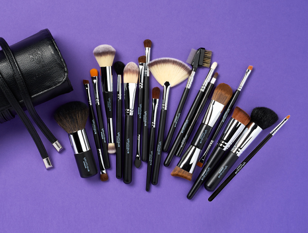 YOUNIQUE™ Complete Brush Set
