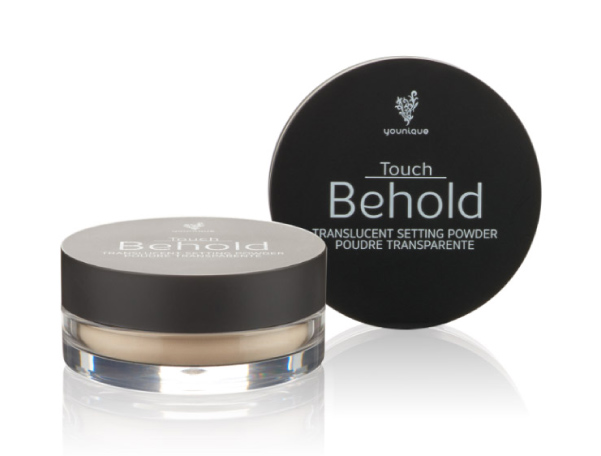 Touch Behold Translucent Setting Powder locks makeup in place