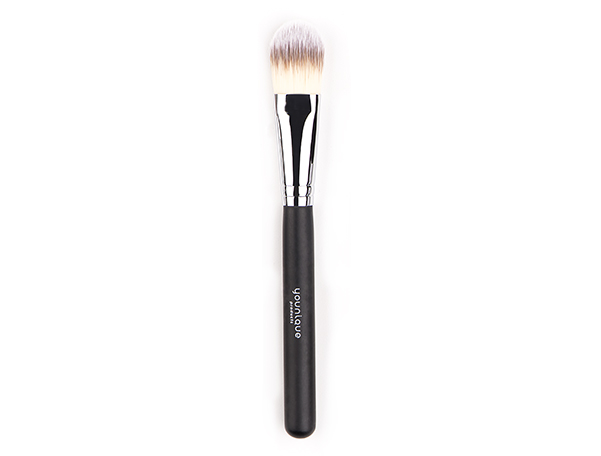 Younique Foundation Brush
