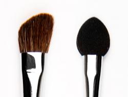 The angled sponge brush are named for obvious reasons.